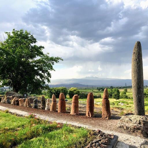Древние фаллические скульптуры Армении