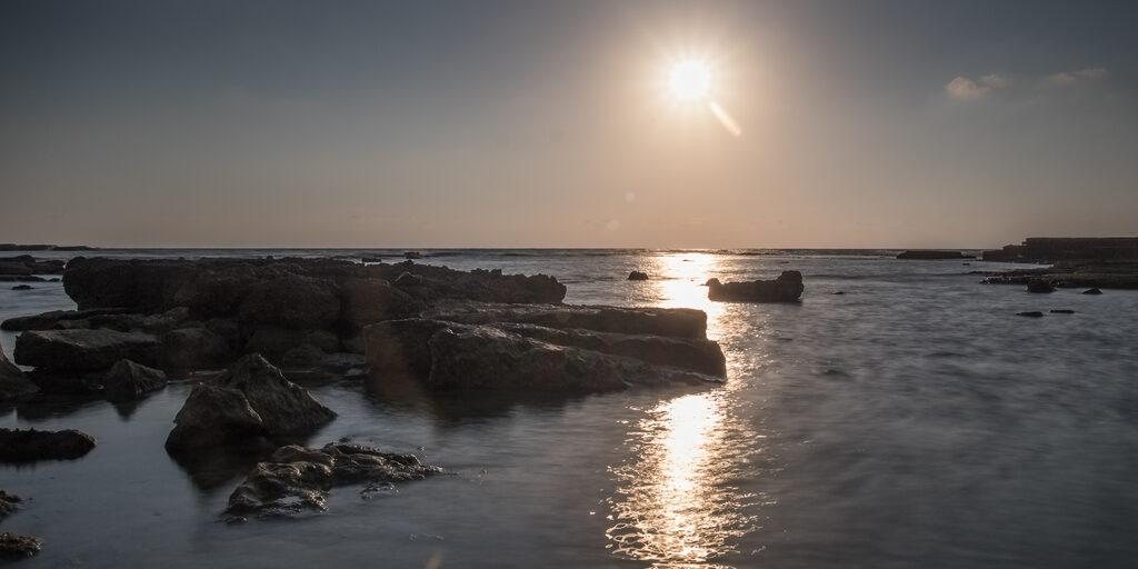 Средиземное море вечером.