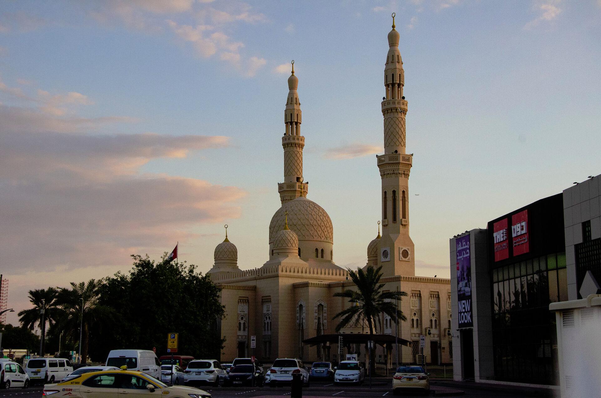 Дубайские рассветы изакаты.