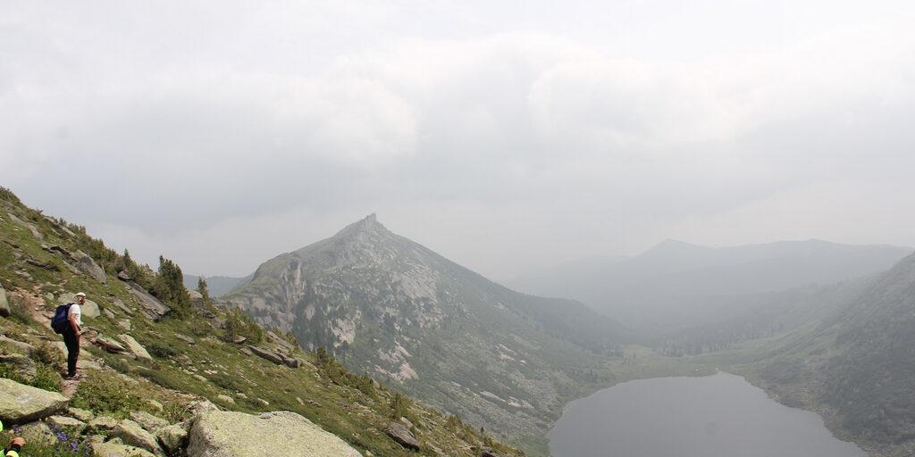Природный парк «Ергаки» в тумане
