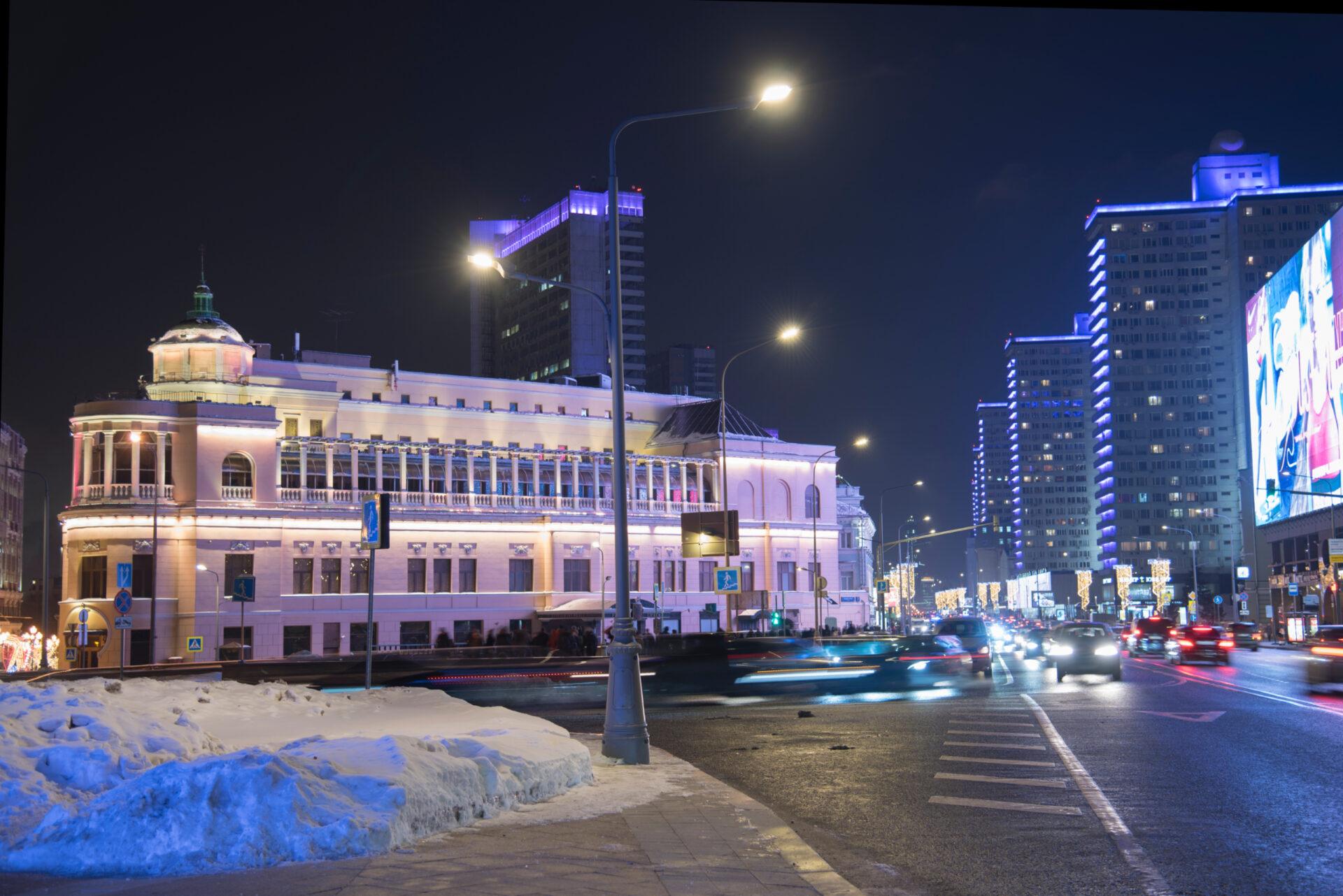 Москва, вечер среды после работы.